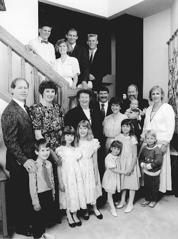 The Roth children and grandchildren surround Jean in her home