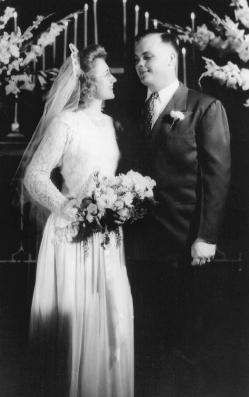 Pat and Bob Wilson on their wedding day, 1947