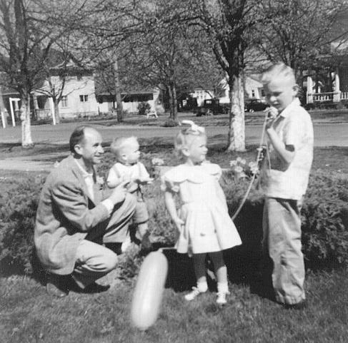 Stanley Wilt with Dana, Lesley, and Bill in mid-1950s in Corvallis